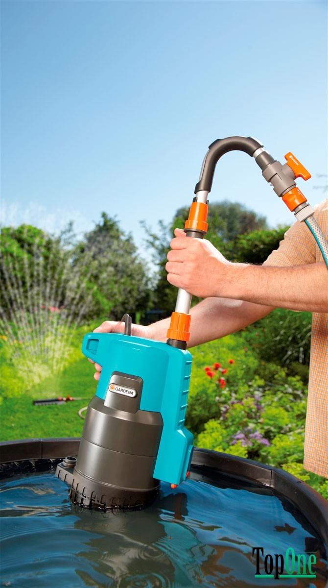 Ручная помпа для полива огорода